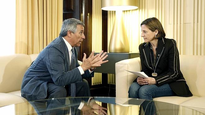 Forcadell se reúne con las víctimas del terrorismo cinco días después de recibir a Otegi