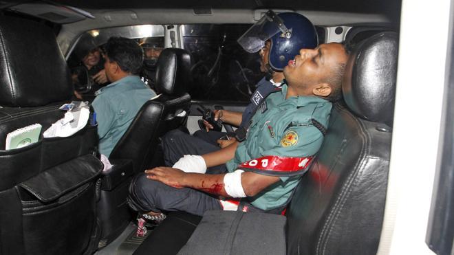 Veinte civiles muertos en el ataque a un restaurante de Bangladesh