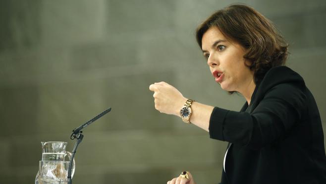 El Gobierno advierte al PSOE de que pasar a la oposición conlleva «una responsabilidad»