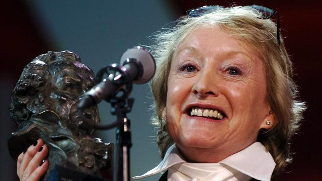 La figurinista Yvonne Blake asumirá la presidencia en funciones de la Academia de Cine