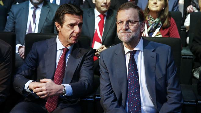Rajoy cree que sería injusto impedir que Soria aspirara al Banco Mundial