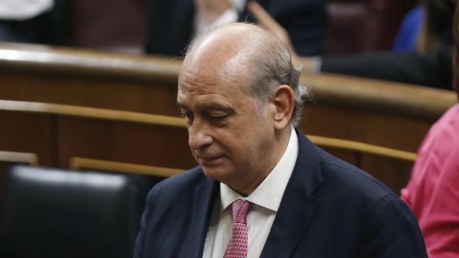 El Congreso aprueba la creación de una comisión de investigación a Fernández Díaz