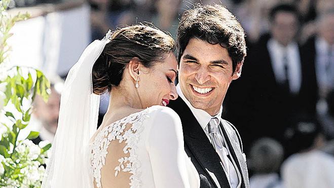 Eva González y Cayetano Rivera celebran el aniversario de su boda