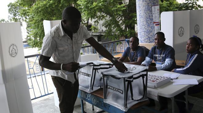Haití vota en medio de una profunda crisis política y humanitaria