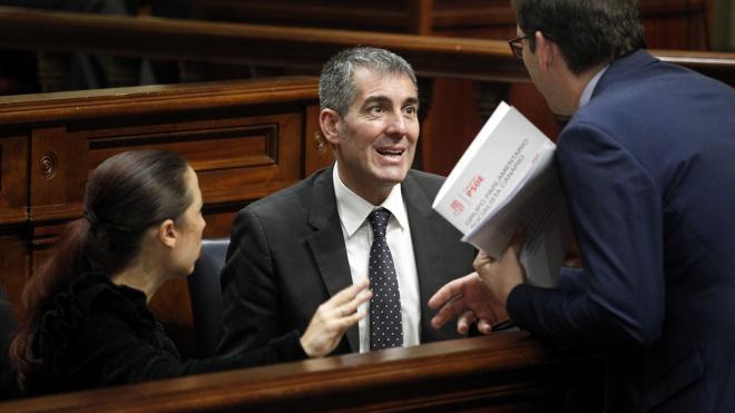 Se rompe el pacto de Gobierno en Canarias y dimiten los cuatro consejeros del PSOE