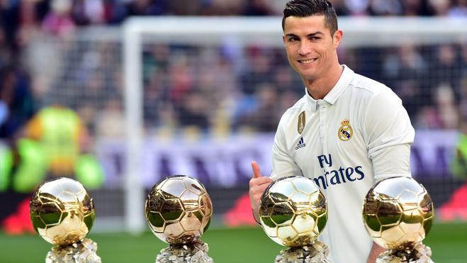 Cristiano ofreció su Balón de Oro al Bernabéu