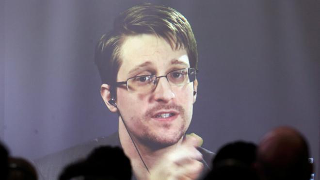 Rusia prorroga el permiso de residencia a Snowden por dos años