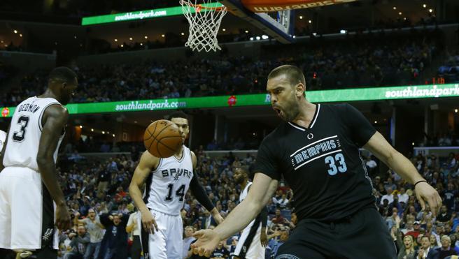 Marc Gasol y la defensa de los Grizzlies sacan los colores a los Spurs