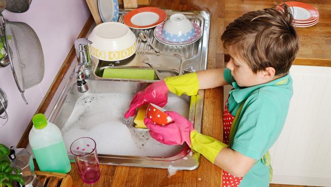 Enseña a tu hijo a colaborar en las tareas de casa