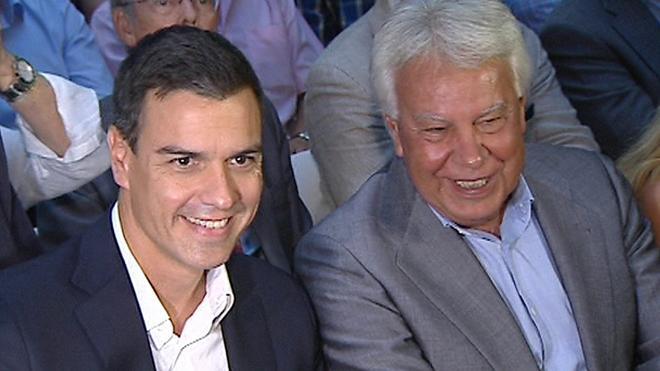 Felipe González ironiza la dimisión de Sánchez: «Yo sé que no puso la urna detrás de la cortina»