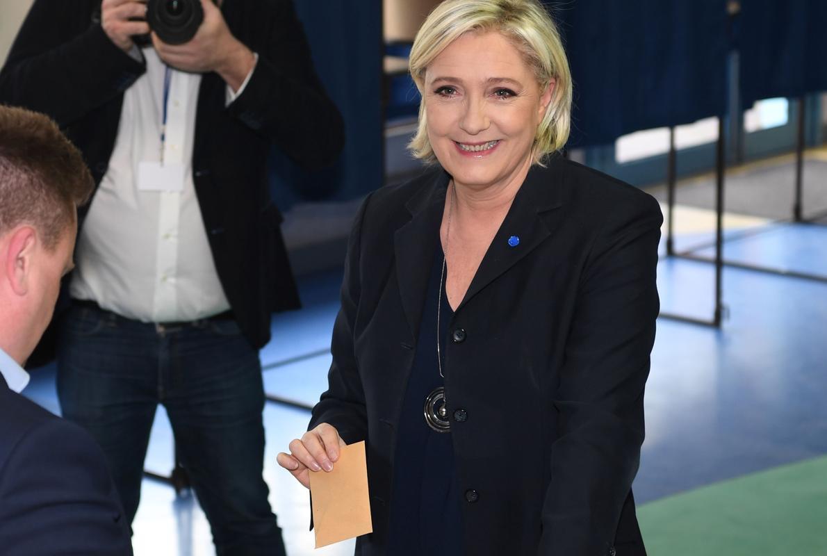 Macron, en cabeza hacia el Elíseo