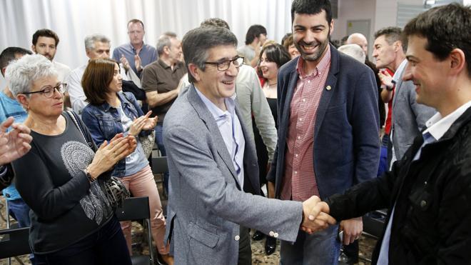 Patxi López llama a tumbar los bloques en el PSOE