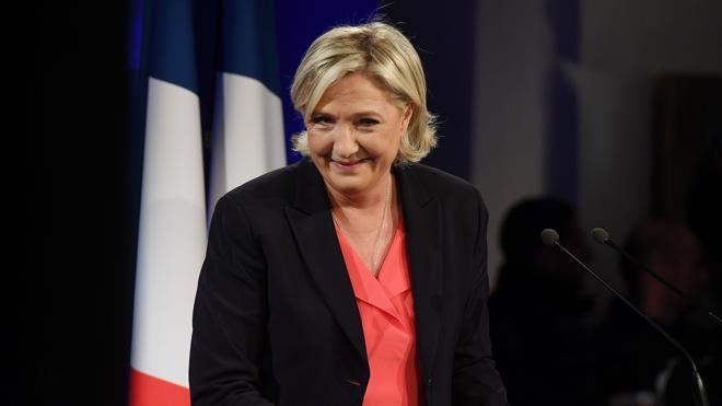 Le Pen reconoce la derrota