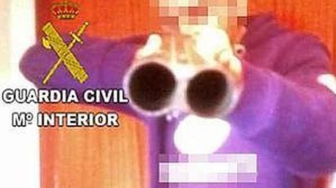 Detenido al circular por las redes sociales una imagen suya con una escopeta y una frase intimidatoria