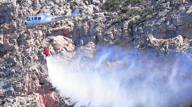 La Guardia Civil busca a un pirómano que causó el incendio del Montgó