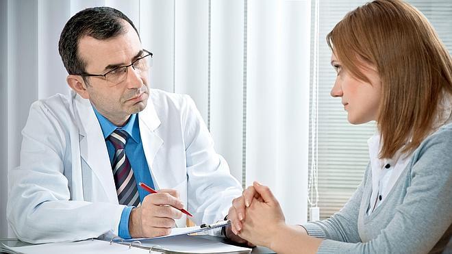 El 74% de los valencianos no logra conseguir cita con su médico de familia de un día para otro en la sanidad pública