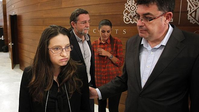 Les Corts propone suspender a Oltra como diputada durante un mes
