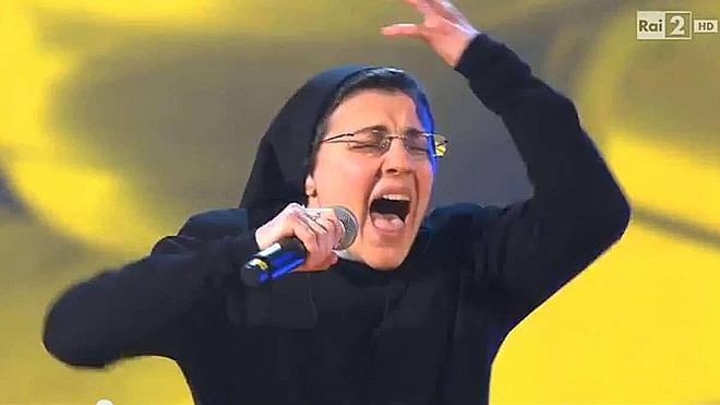 Sor Cristina pasa a la final de 'La Voz Italia'