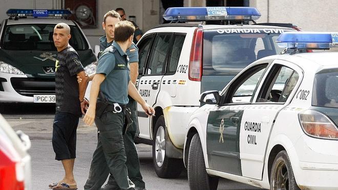 Llegan dos pateras con nueve inmigrantes a las costas de Alicante