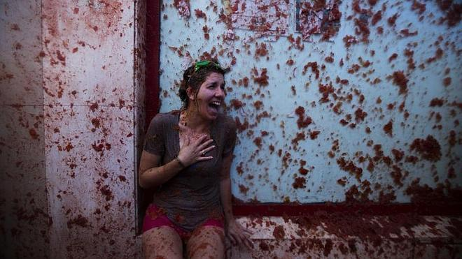 Tomatina 2014: Vuelan tomates en las calles de Buñol en su Tomatina
