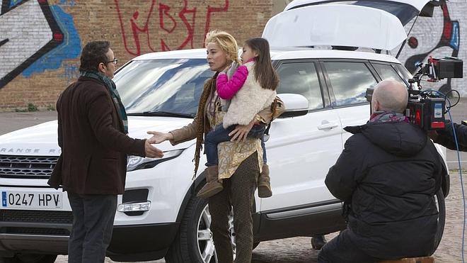 Valencia acoge el rodaje de «La noche que mi madre mató a mi padre» con Belén Rueda