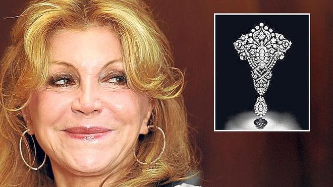Tita vende los diamantes de la reina María Cristina