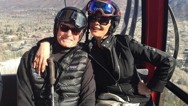 Michael Douglas y Catherine Zeta-Jones, en la nieve tras las alarmantes noticias sobre la salud del actor