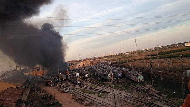 FGV denuncia el incendio en los talleres de Torrent con ocho trenes afectados