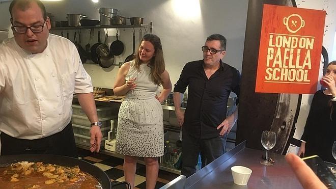Abren en Londres la primera escuela de paella valenciana