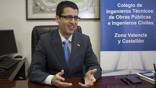 ¿Quién es Carlos Dueñas?