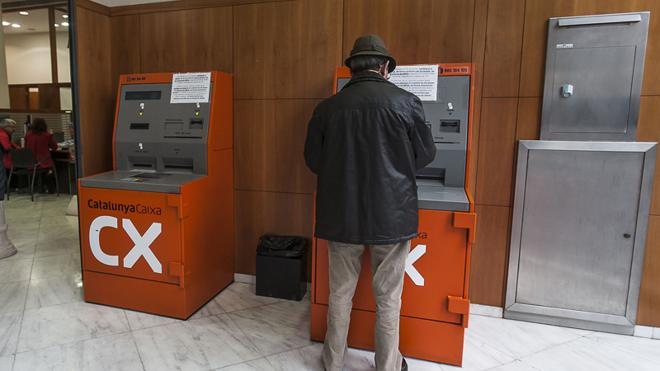 Desarticulado un grupo que sacaba dinero de cajeros automáticos