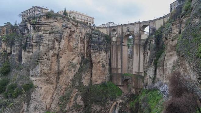 Los 18 puentes más icónicos de España