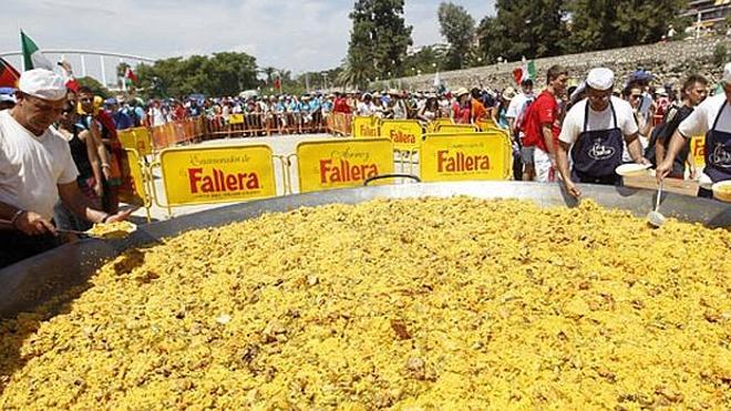 El Récord Guinness de 3.000 paellas cambia de horario para no coincidir con el fútbol