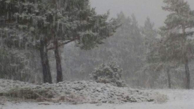 La nieve aparece en Ademuz y la lluvia deja 68 litros en Andilla