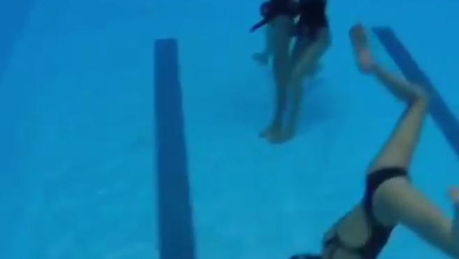 El 'Mannequin Challenge' definitivo: la natación sincronizada triunfa en la red