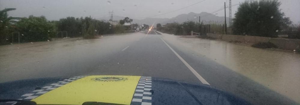 El río Segura, a punto de desbordarse en Orihuela