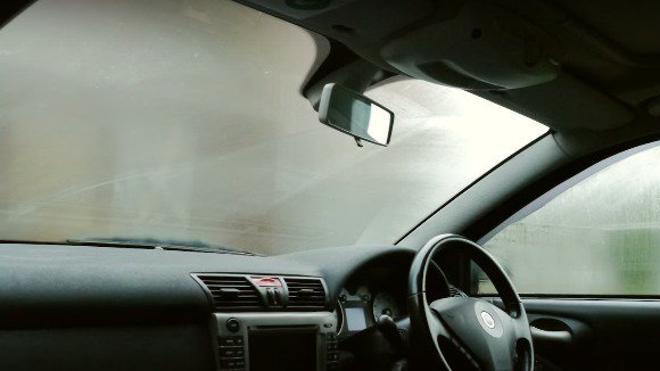 Cómo evitar que se empañe el parabrisas del coche