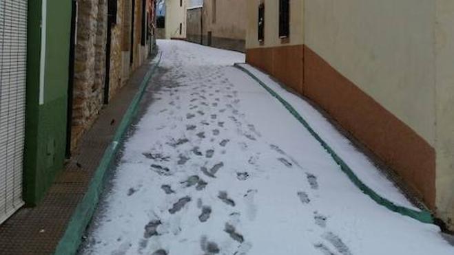 La nieve cubre la Vall de Laguar