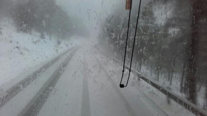 Los escolares valencianos atrapados en la nieve sufrieron también un accidente con el autobús