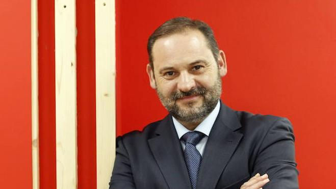 José Luis Ábalos se suma al equipo de campaña de Pedro Sánchez