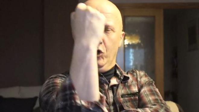 Las burlas de Paco Sanz a los donantes: «Necesito vuestra VISA y billetitos morados»