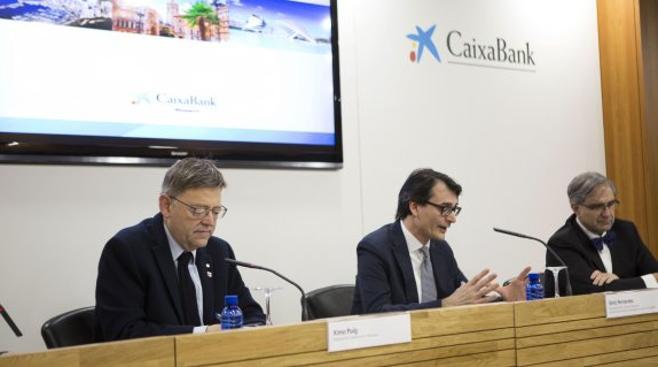Dos tercios del saldo bancario del Consell, en CaixaBank y Sabadell