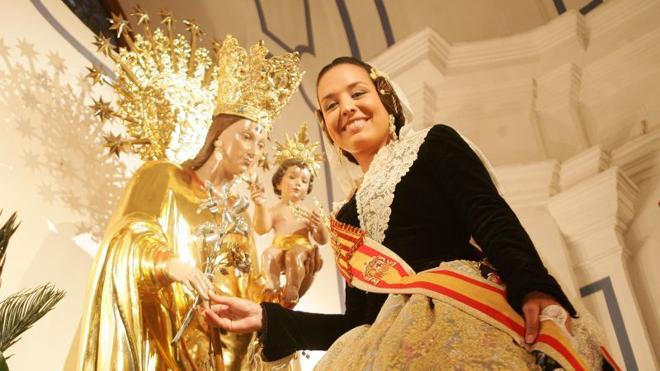 Calendario del Besamanos de las Fallas a la Virgen de los Desamparados