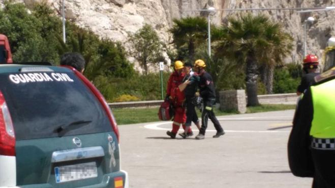Rescatan del Peñón de Ifach de Calp a un joven conmocionado que había quedado colgado de las cuerdas de escalada