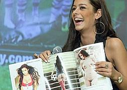 Larissa Riquelme Se Desnuda En 3d Para Playboy Las Provincias