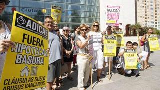 Protesta de afectados por las cláusulas suelo de las hipotecas