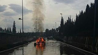 Fuertes tormentas, 710 rayos y cortes de carreteras en Valencia